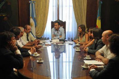 Reunión en despacho del Intendente Pablo Bruera