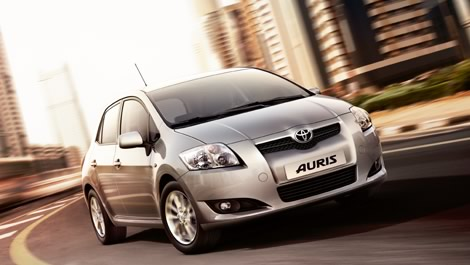 Diseño web y campañas de banners para Toyota